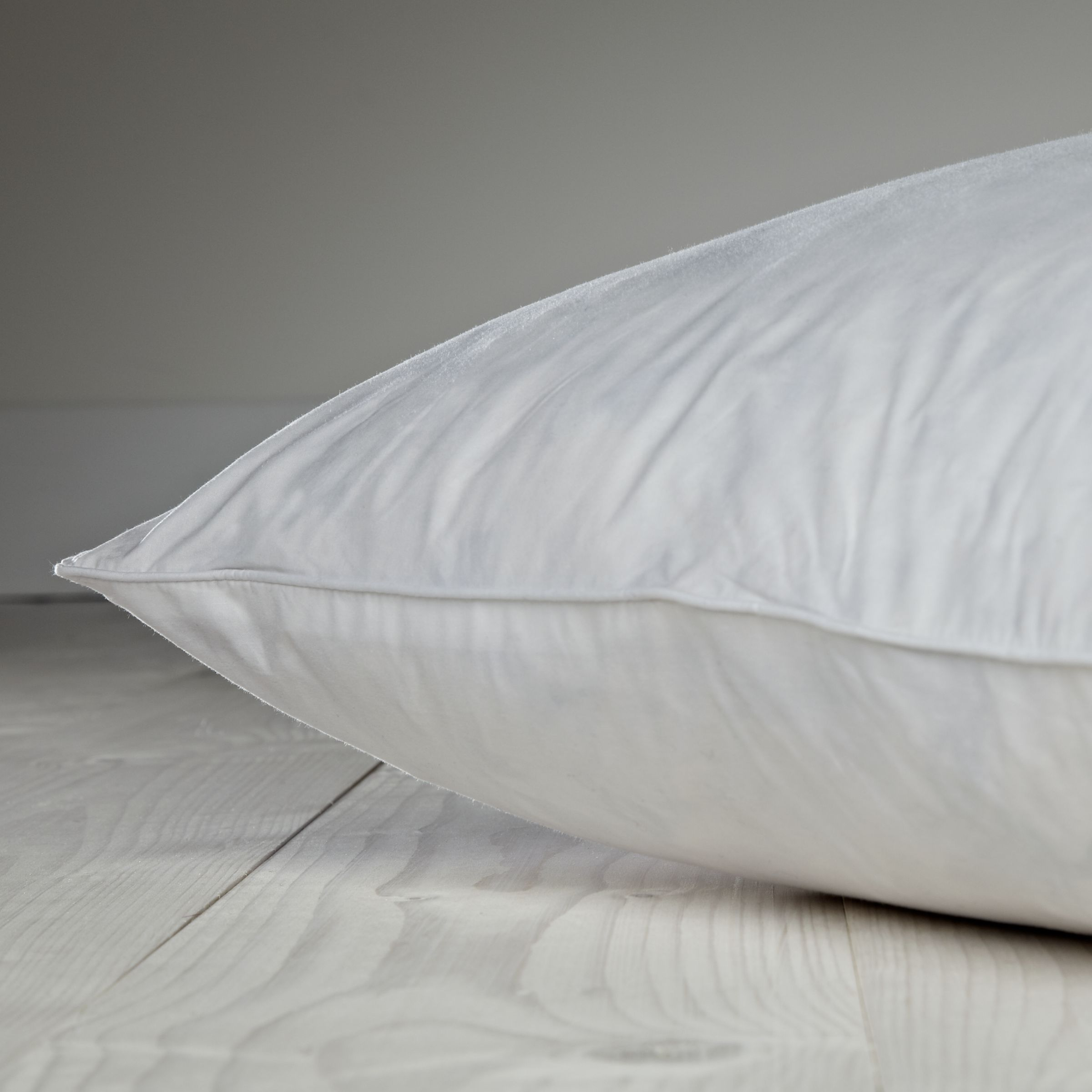 Fine Duck Feather Standard Pillow