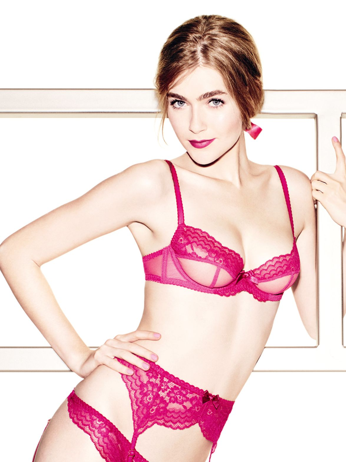 L'Agent by Agent Provocateur Cloe Non-Padded Plunge Bra, Fuchsia