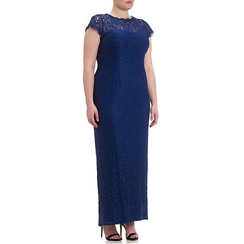 s.L. Models plus length clothes