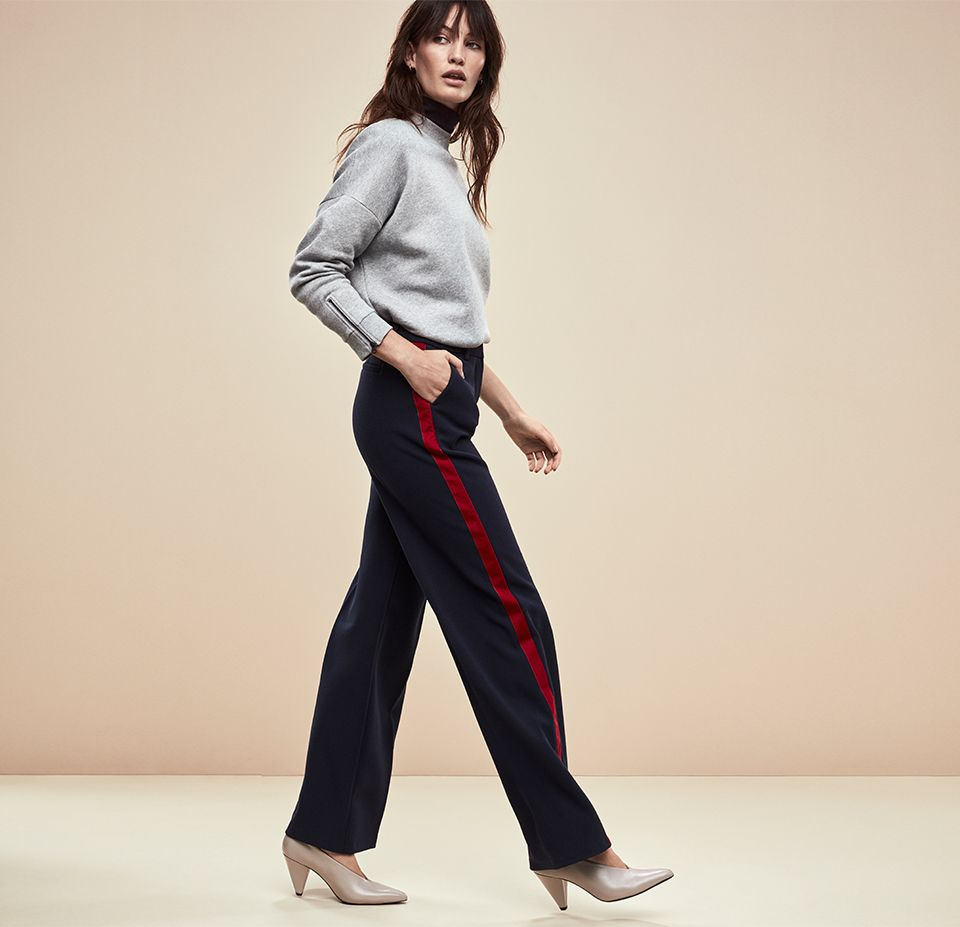 Woman in THE SLOUCHY TROUSER