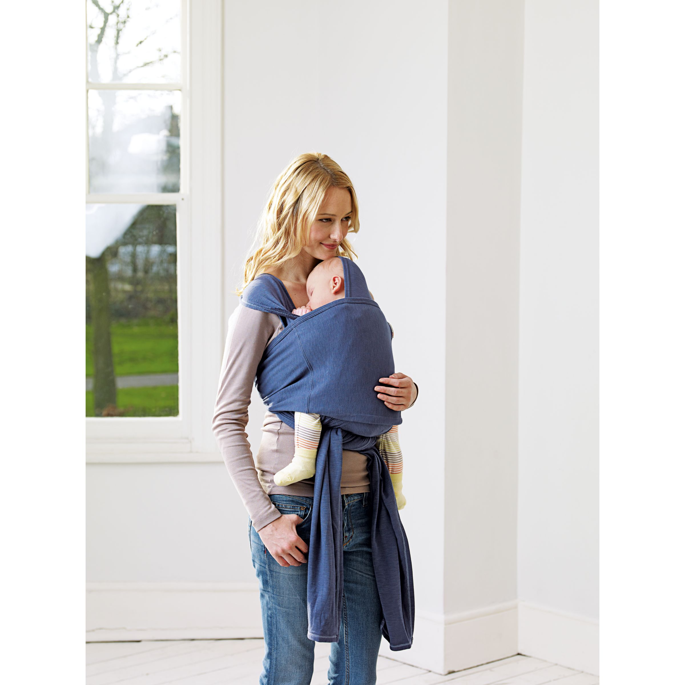Video: How to use baby carriers and slings