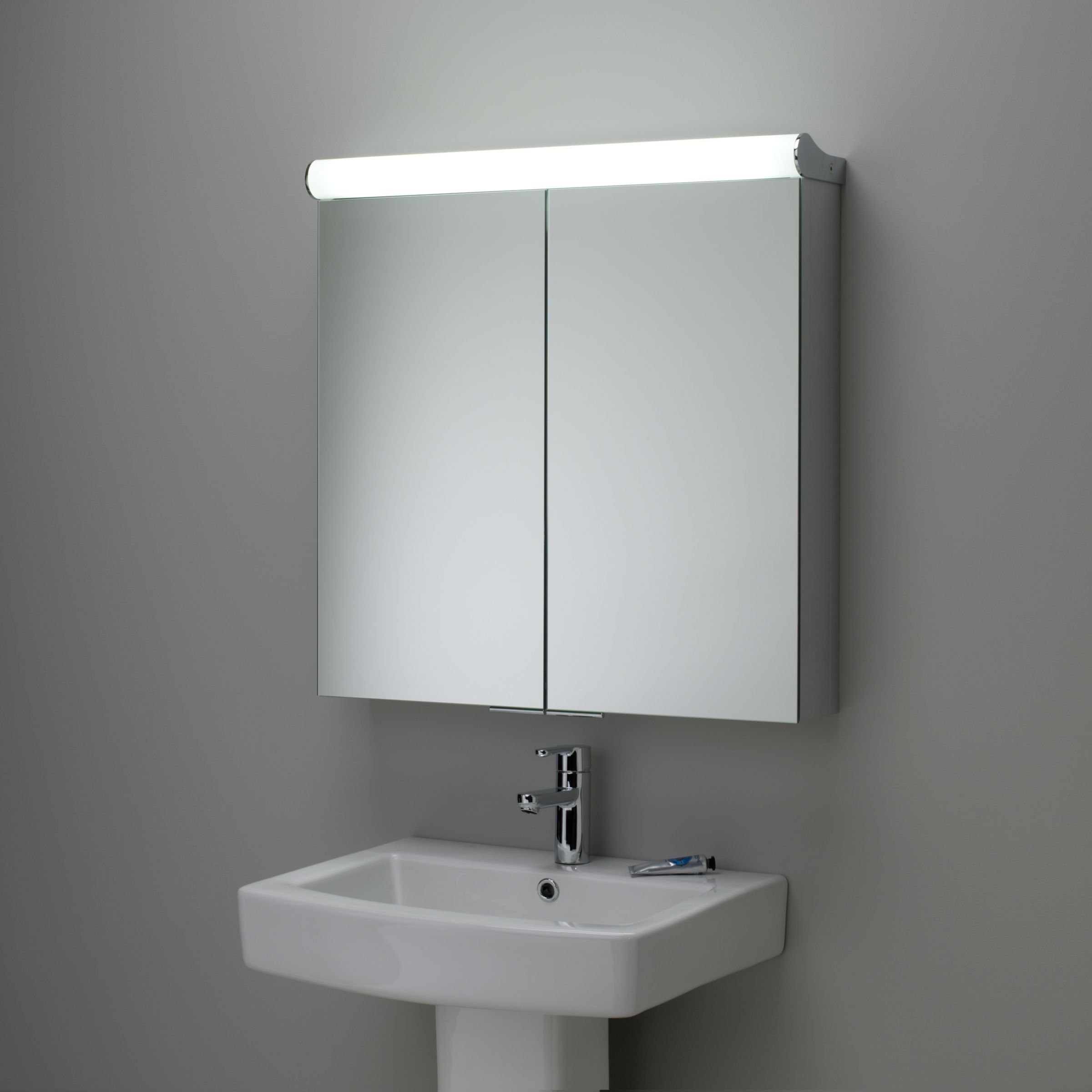 Roper Rhodes Roper Rhodes Latitude Illuminated Double Bathroom Cabinet with Double-Sided Mirror