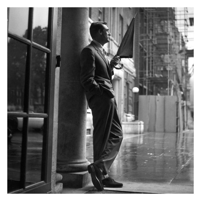 Getty Images Gallery Getty Image Gallery Cary Grant In The Rain Print on Canvas, 40 x 40cm