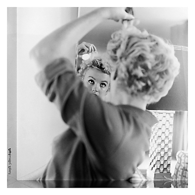 Getty Image Gallery Marilyn Monroe Makes Up Print on Canvas, 40 x 40cm