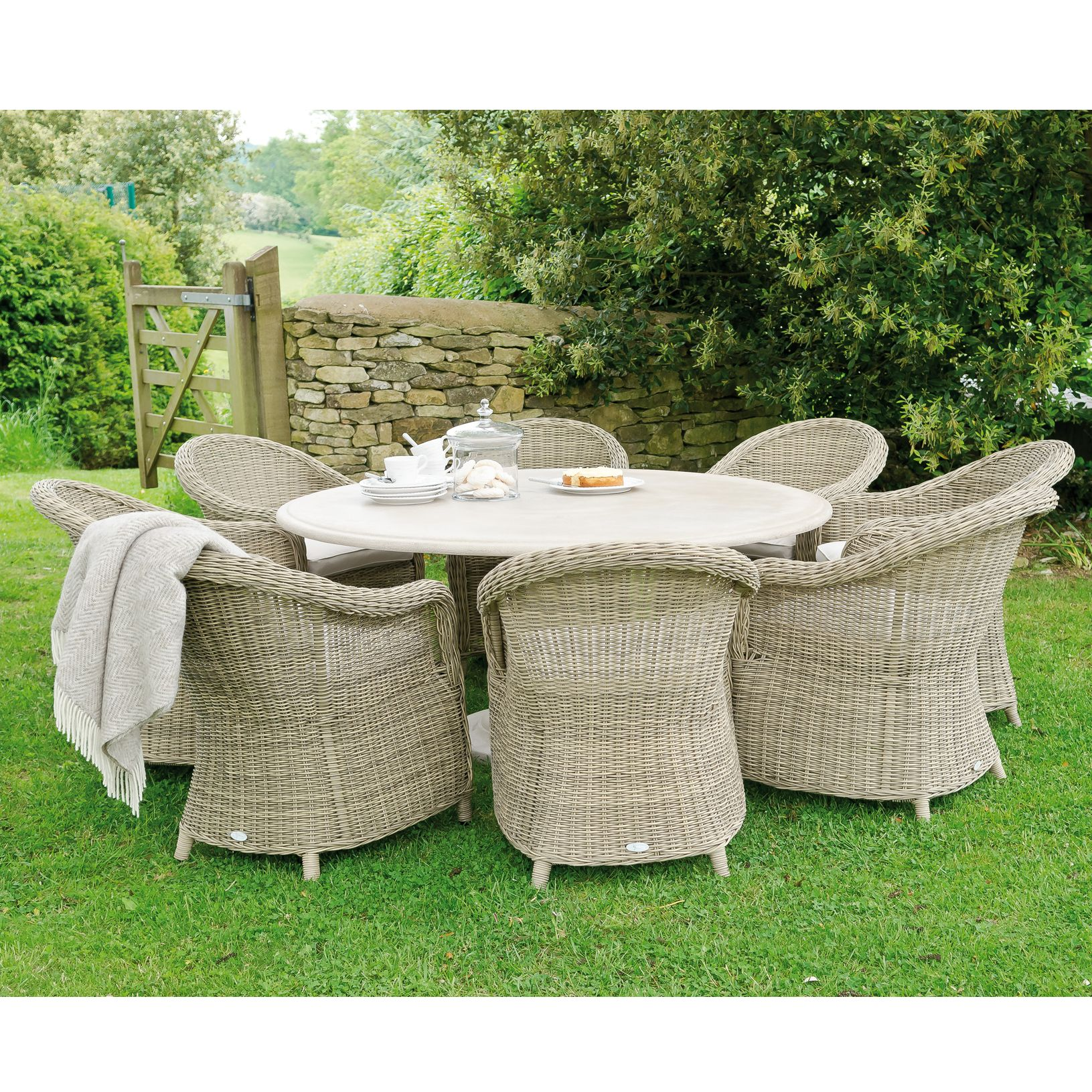 Neptune Portland Round 6 Seater Outdoor Dining Table