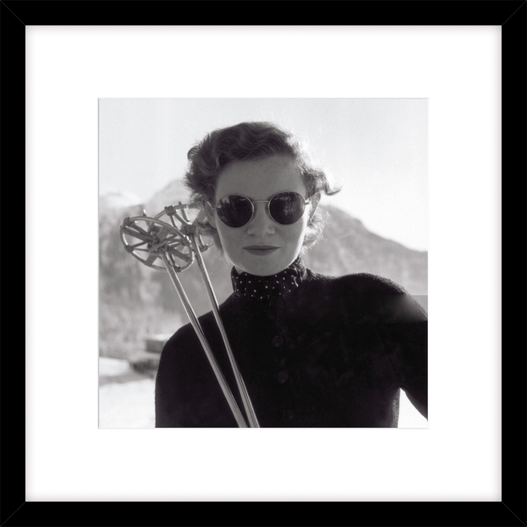 Getty Images Gallery Getty Images Woman Skiing Photograph, Black Frame, 49 x 49cm