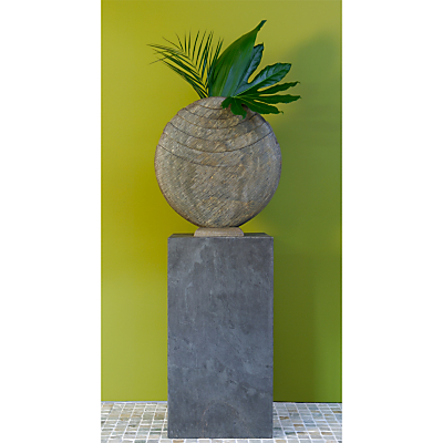 Foras Caviara 60 with Surmi 90 Slate Plinth