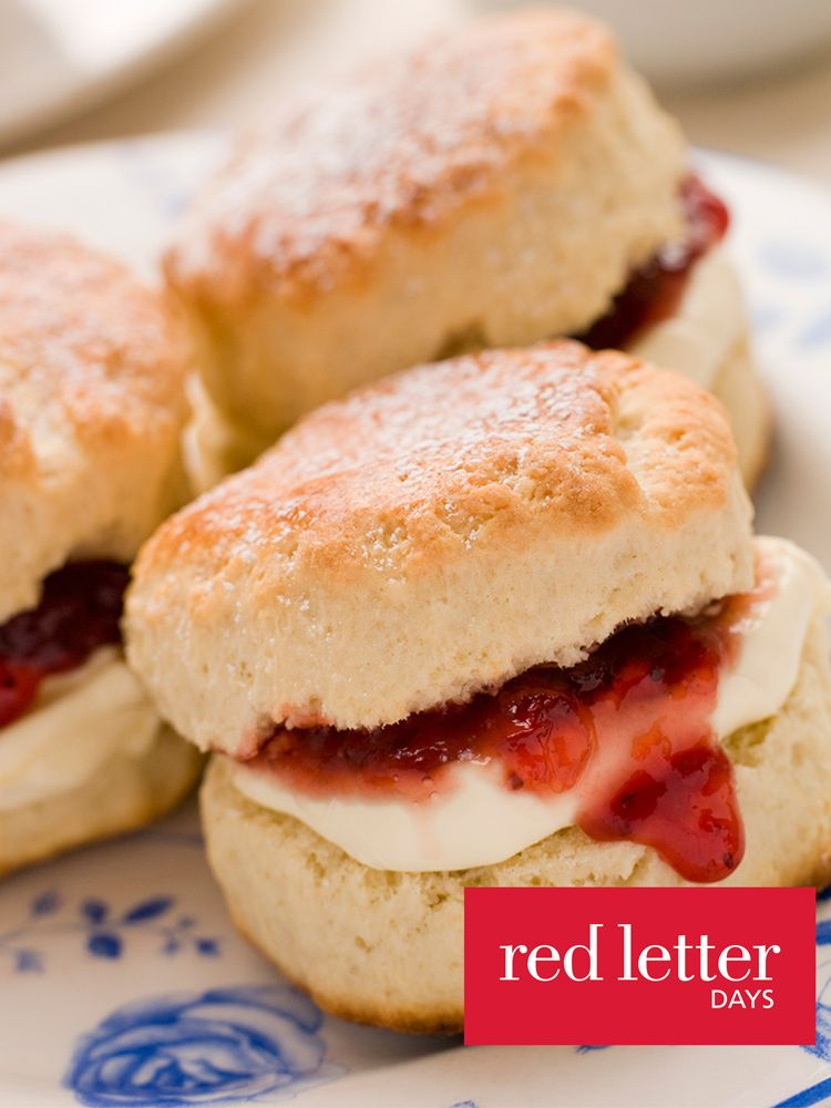 Red Letter Days Red Letter Days Brighton Trip and Cream Tea For 2