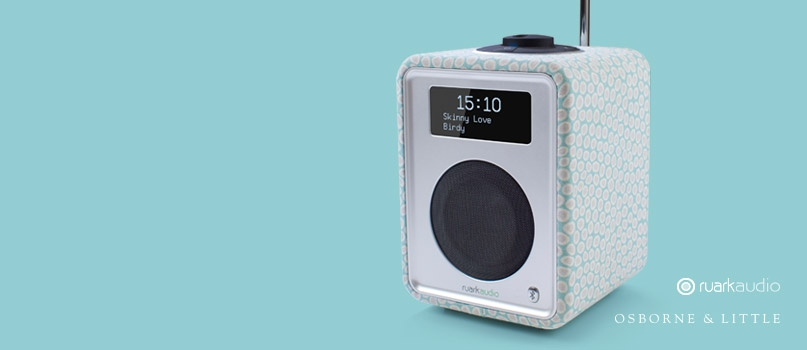 Limited edition R1 deluxe tabletop radio with Bluetooth