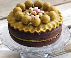 Chocolate Simnel Cake by Le Creuset