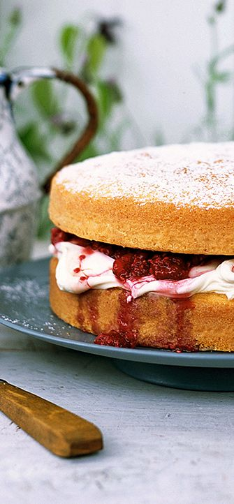 Traditional Victoria Sandwich