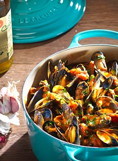 Mussels, Chorizo & Tomato Ragout on Garlic Toast by Le Creuset