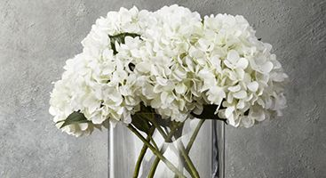 How to Arrange Artificial Flowers