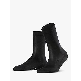 Black pantyhose white socks odd
