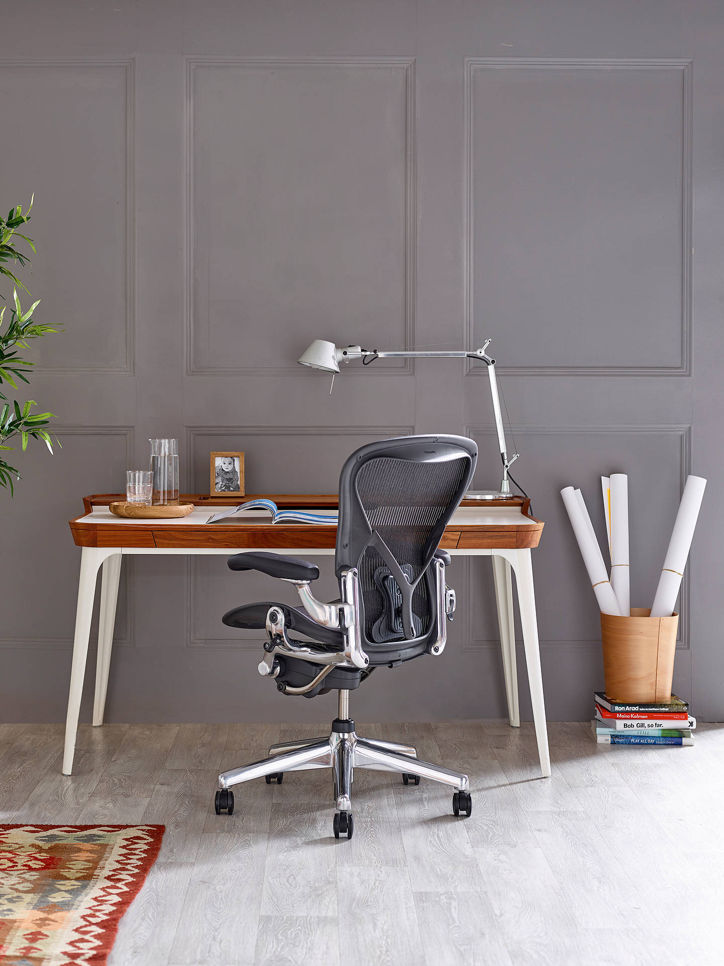Surprising Herman Miller Aeron Office Chair Graphite Polished Aluminium Creativecarmelina Interior Chair Design Creativecarmelinacom