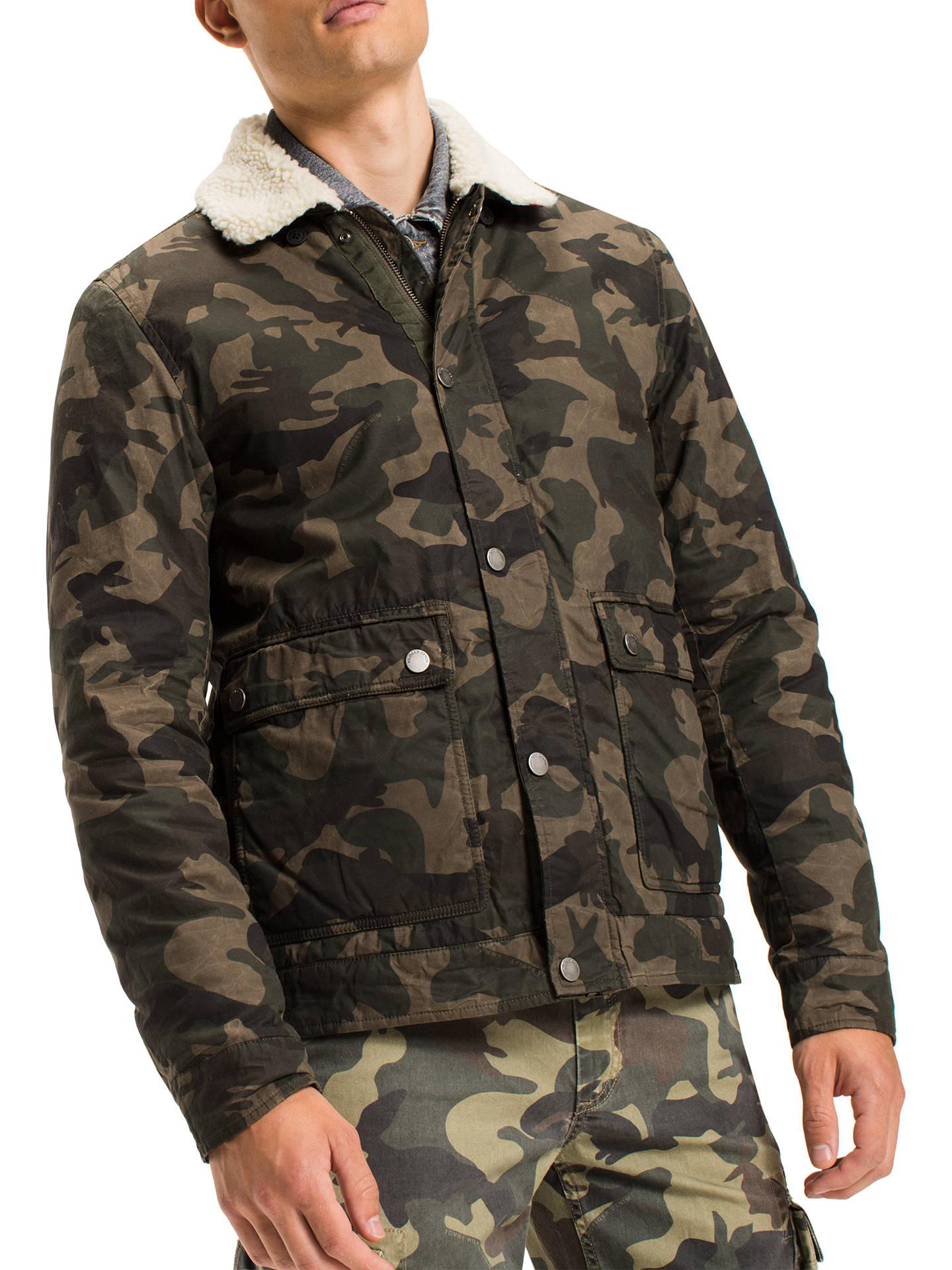 54d5eef5d Tommy Jeans Camo Sherpa Jacket