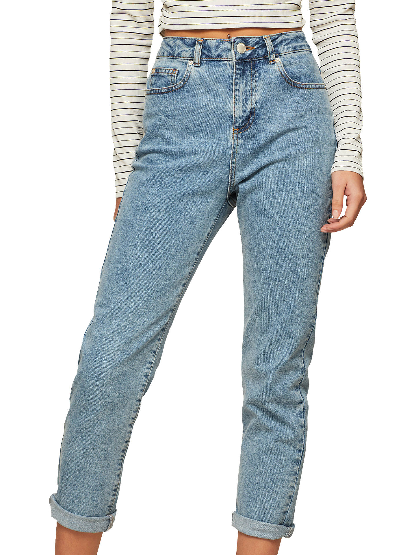 young-petite-hunting-jeans