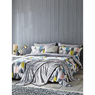 Scion Nuevo Bedding, Multi