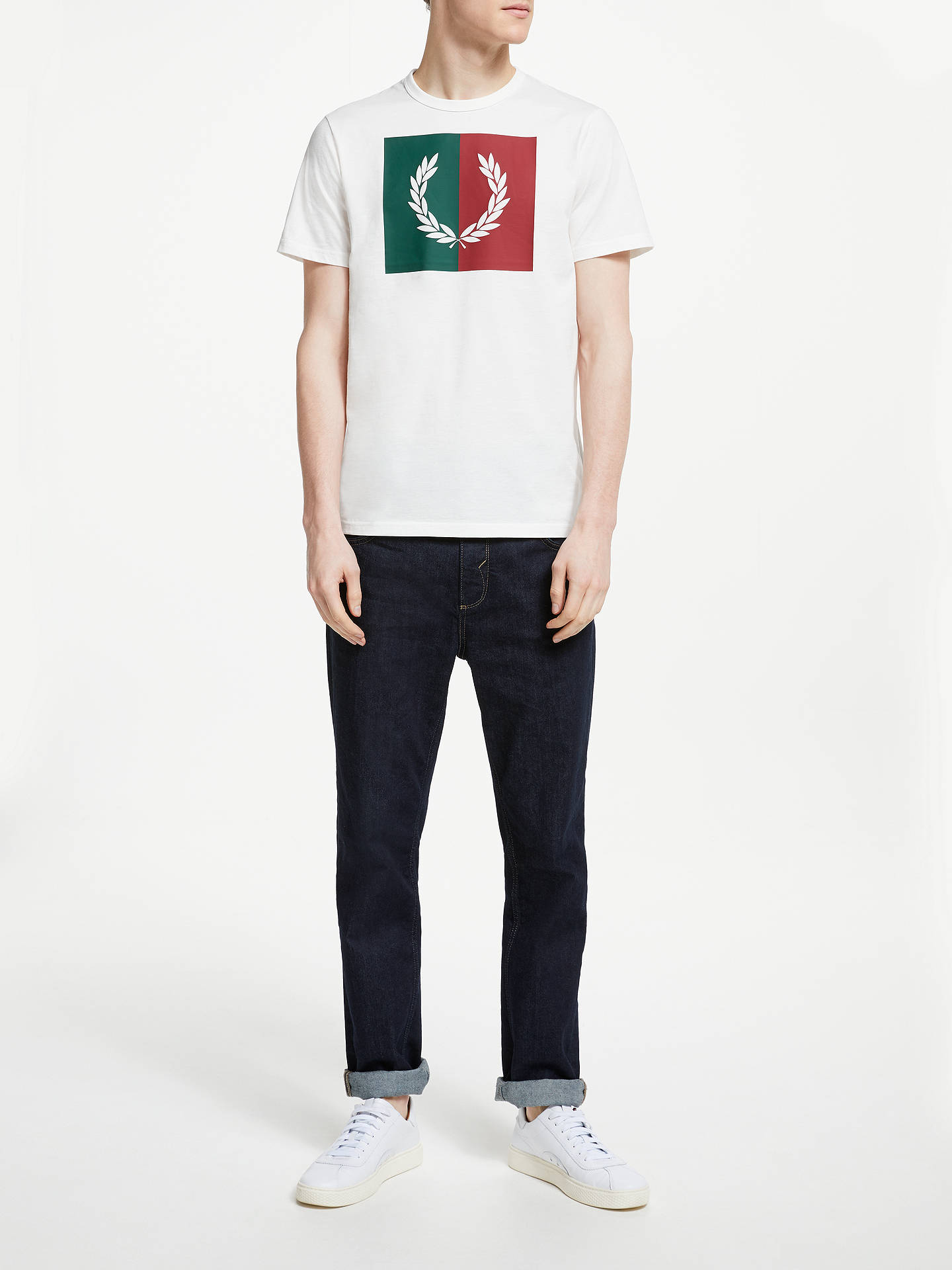 33984847756eb Fred Perry Split Laurel Wreath T-Shirt, Snow White