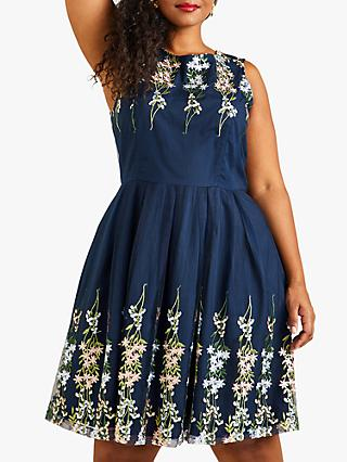 6f4f36a3d517 Yumi Curves Embroidered Floral Dress