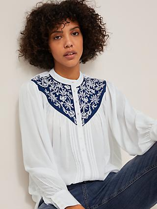 AND/OR Anastasia Embroidered Blouse, White/Blue