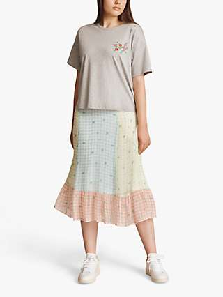 Ghost Mia Embroidered T-Shirt