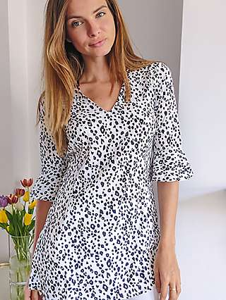 Sosandar Animal Print Blouse, White/Black