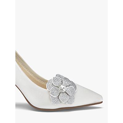 Vintage Style Wedding Shoes, Boots, Flats, Heels Rainbow Club Vela Diamanté Flower Shoe Bows Ivory £28.00 AT vintagedancer.com
