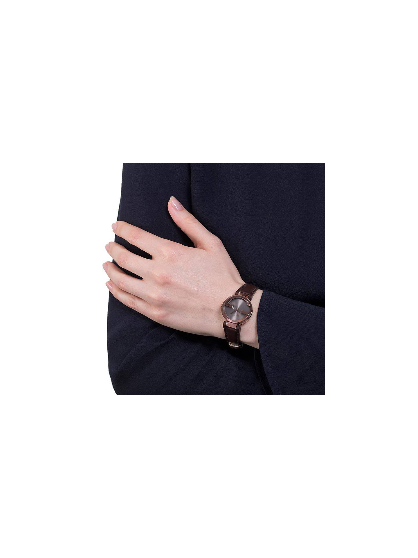 8b1d19b8e44 ... Buy Gucci YA133504 Women s Interlocking G Leather Strap Watch