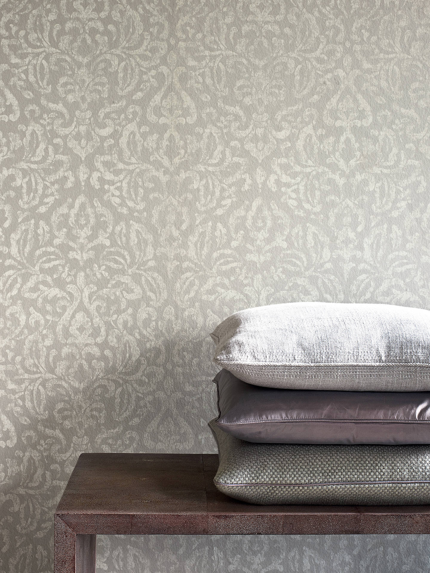 Colefax and Fowler Piper Wallpaper at