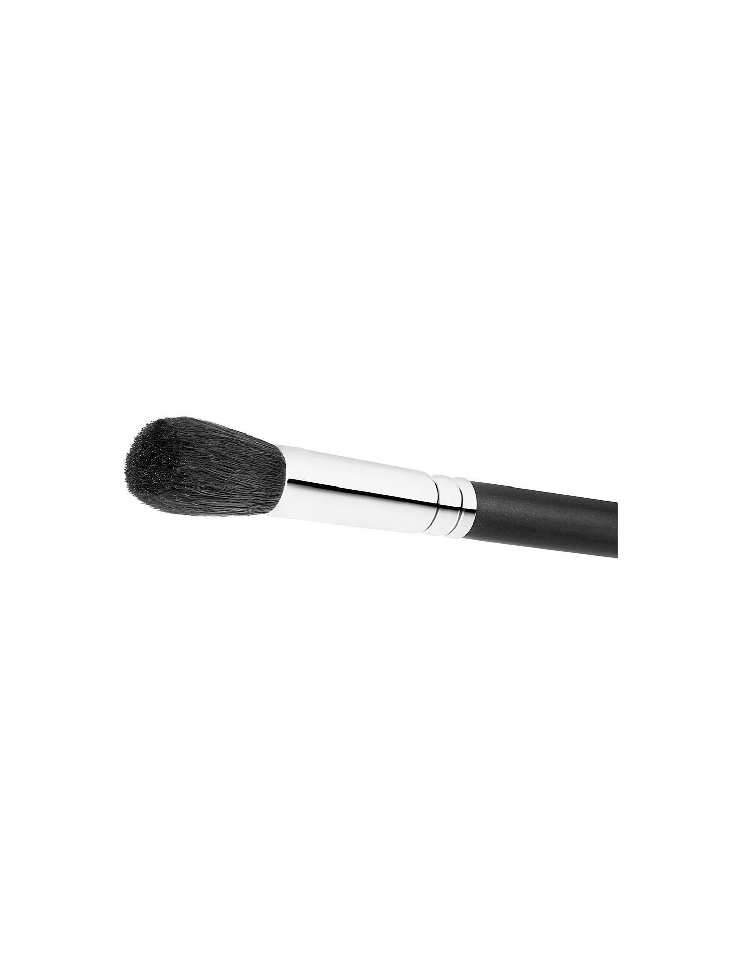 MAC Small Contour Brush 109