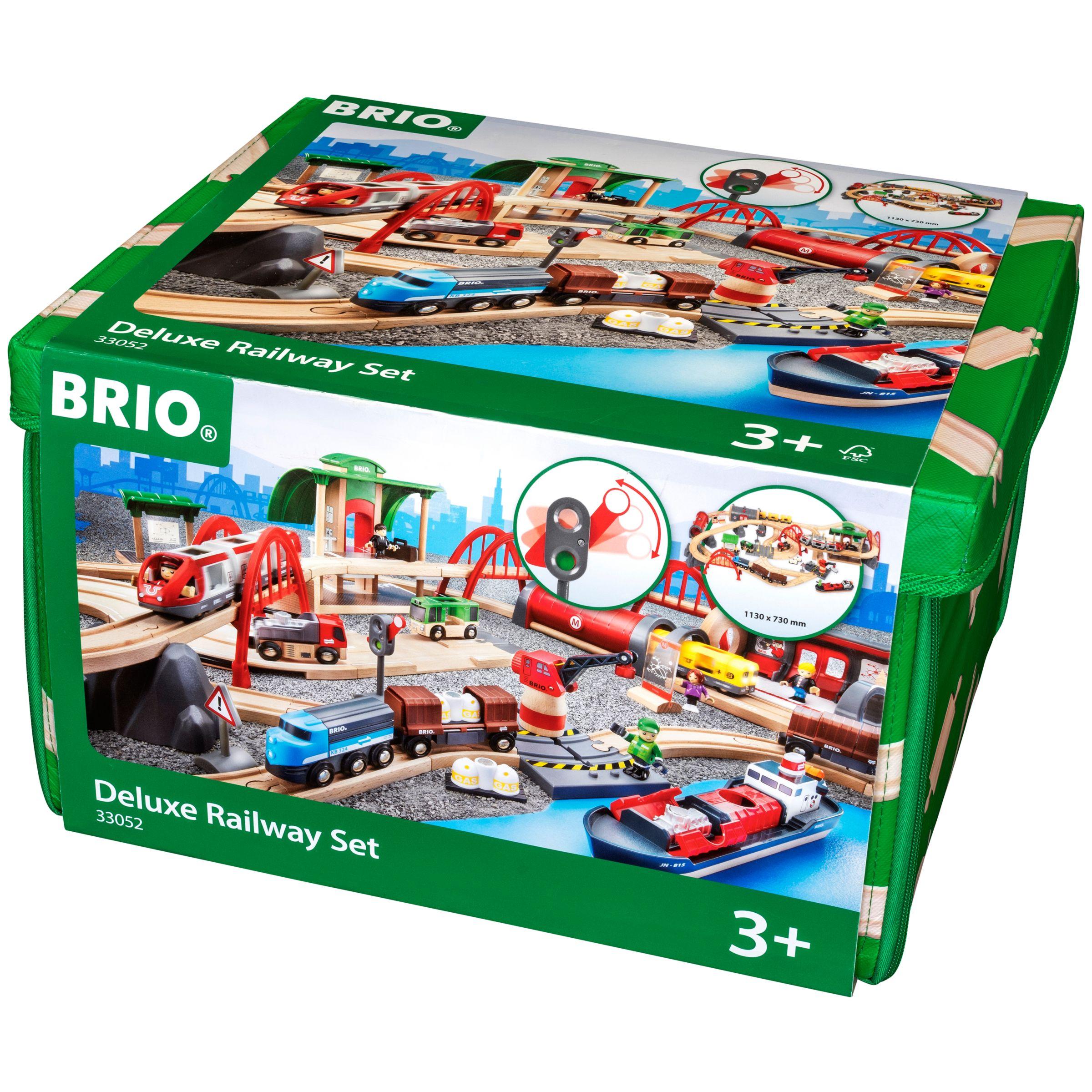 BRIO BRIO World Deluxe Railway Set