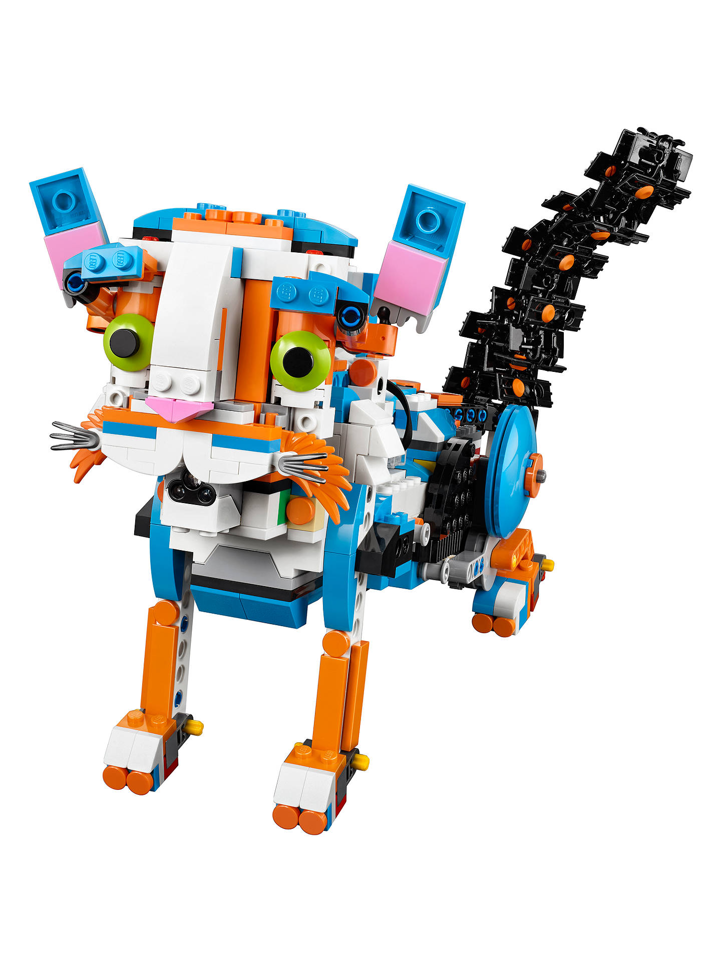 The toolbox has a total of 843 pieces and you can use it to build five different robots.