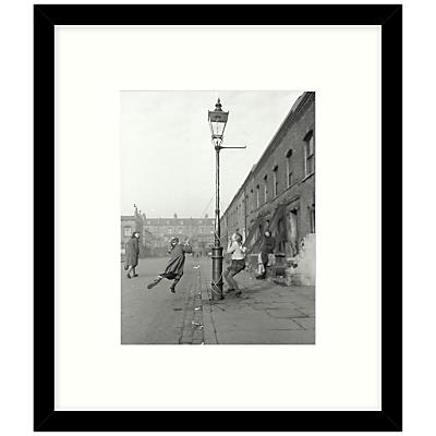 Getty Images Gallery – Children Swinging 1950 Framed Print, 49 x 57cm