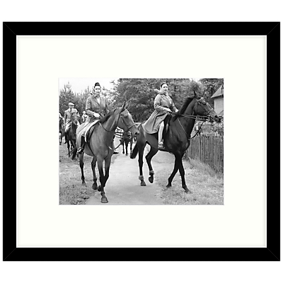 Getty Images Gallery – Royal Sisters 1969 Framed Print, 57 x 49cm