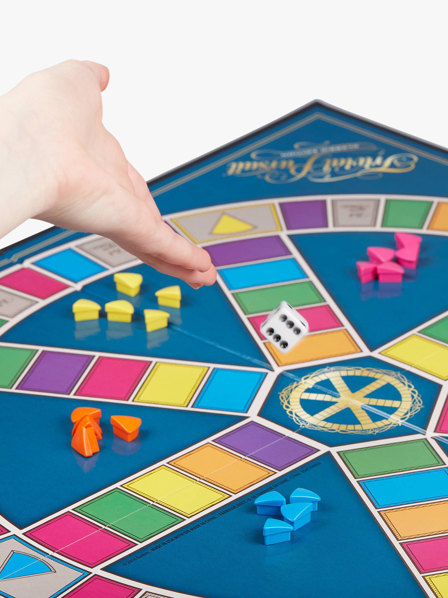 Hasbro Trivial Pursuit Game Classic Edition