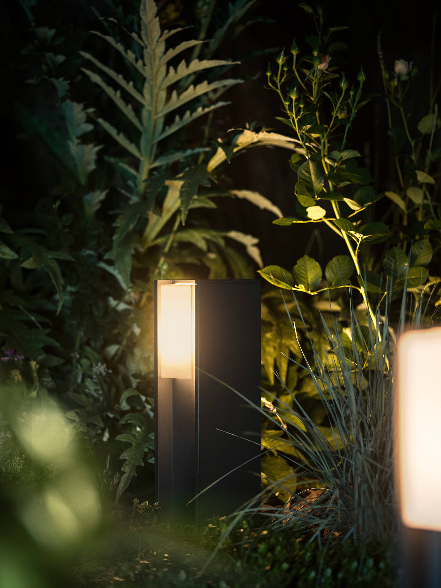 Philips Hue Turaco Led Outdoor Light Black