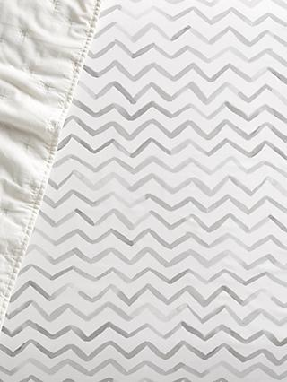 Pottery Barn Kids Organic Cotton Finley Chevron Fitted Crib Sheet, 70 x 135cm