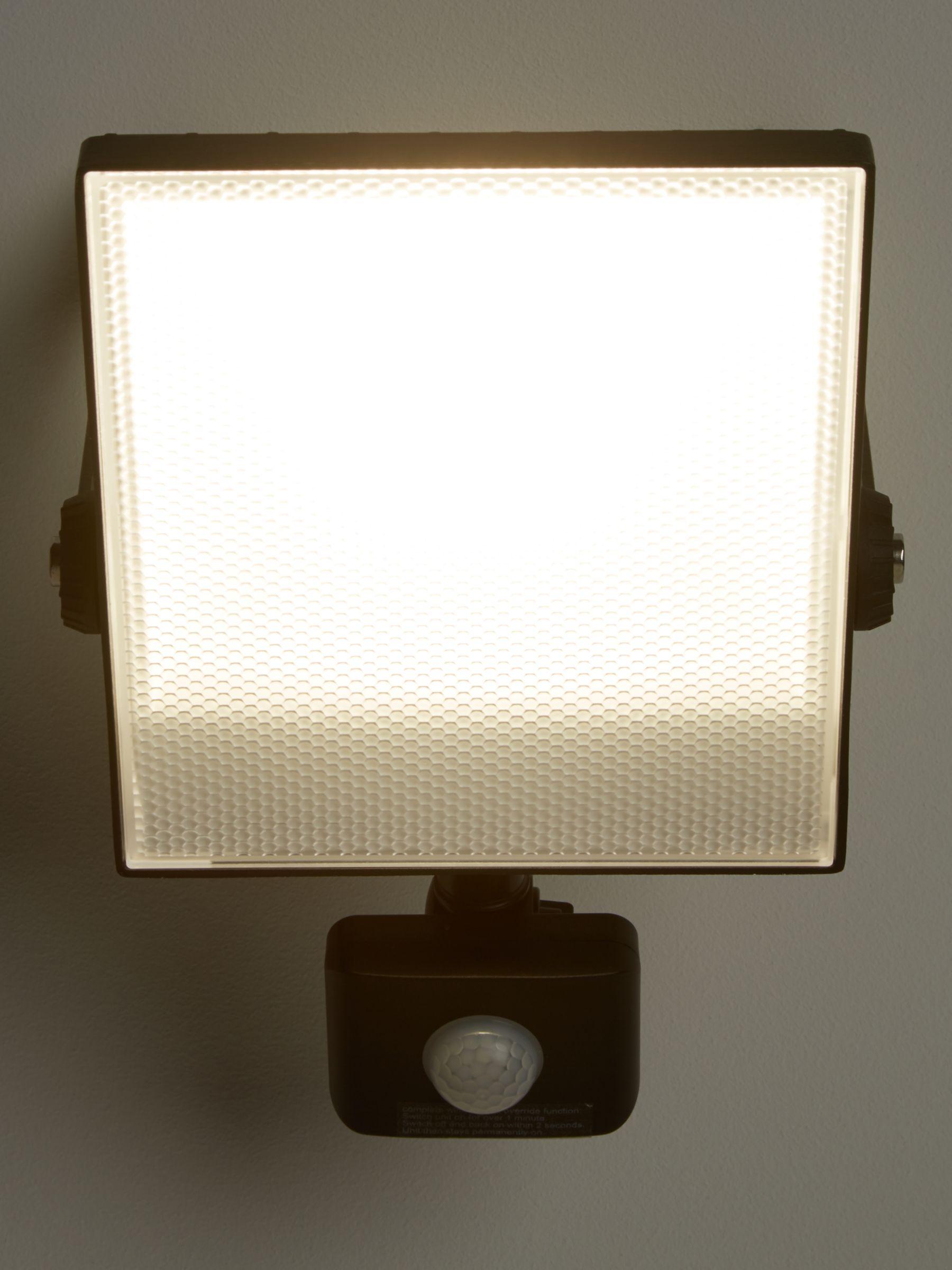 Saxby Saxby Scimitar LED Outdoor Floodlight, Black