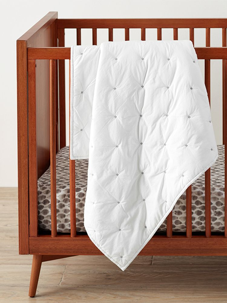 Pottery Barn Kids Organic Washed Cotton Toddler Bed Quilt, White