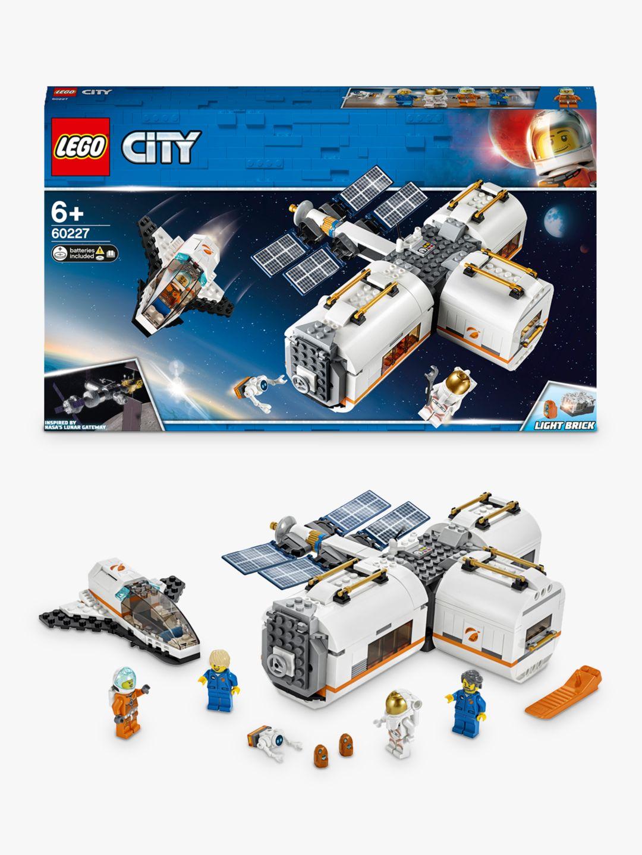 Lego LEGO City 60227 Lunar Space Station