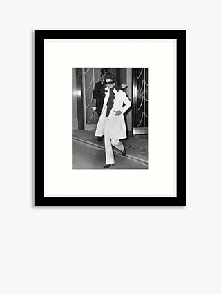 Getty Images - Jackie Onassis Wood Framed Print & Mount, 57.5 x 49.5cm