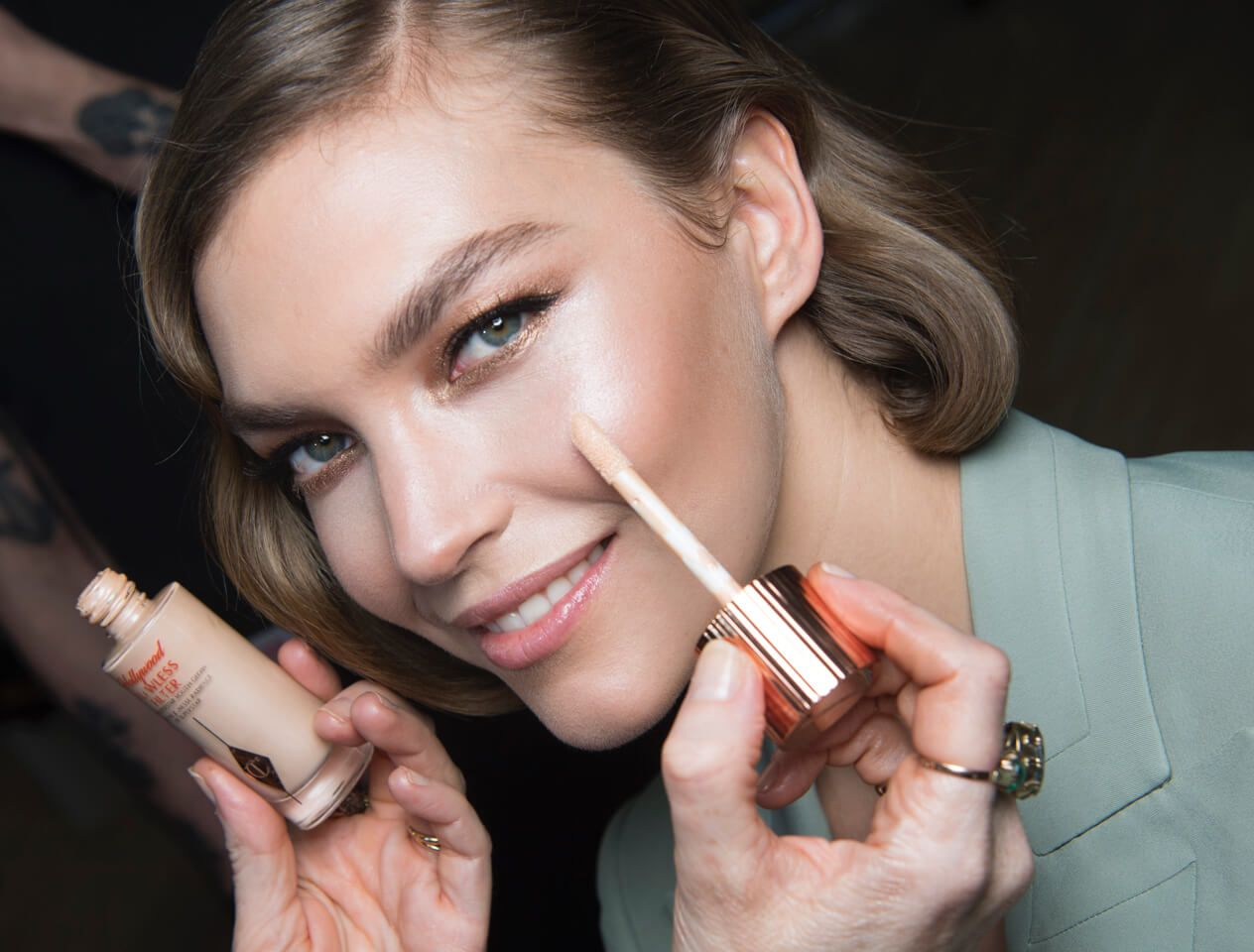 Arizona Muse backstage at Charlotte Tilbury for Alice Temperley LFW