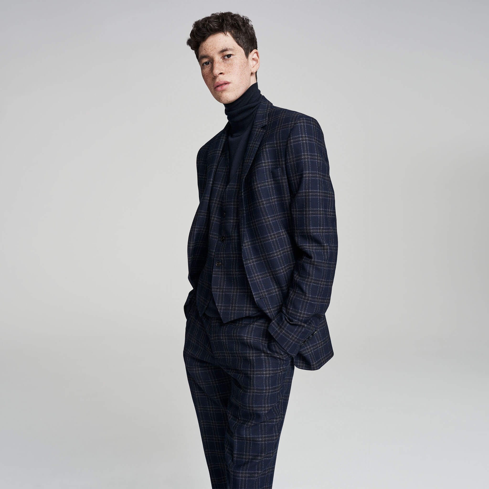Kin Men's Suiting