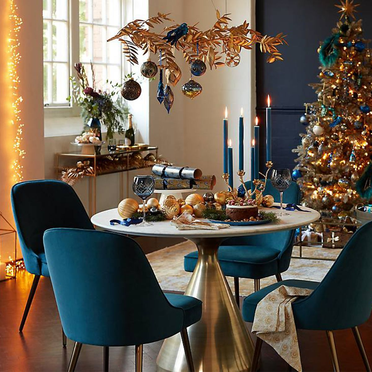 How to create a stylish Christmas tablescape