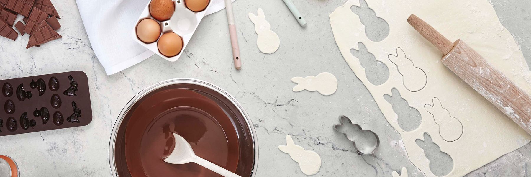 icing, piping and decorating essentials