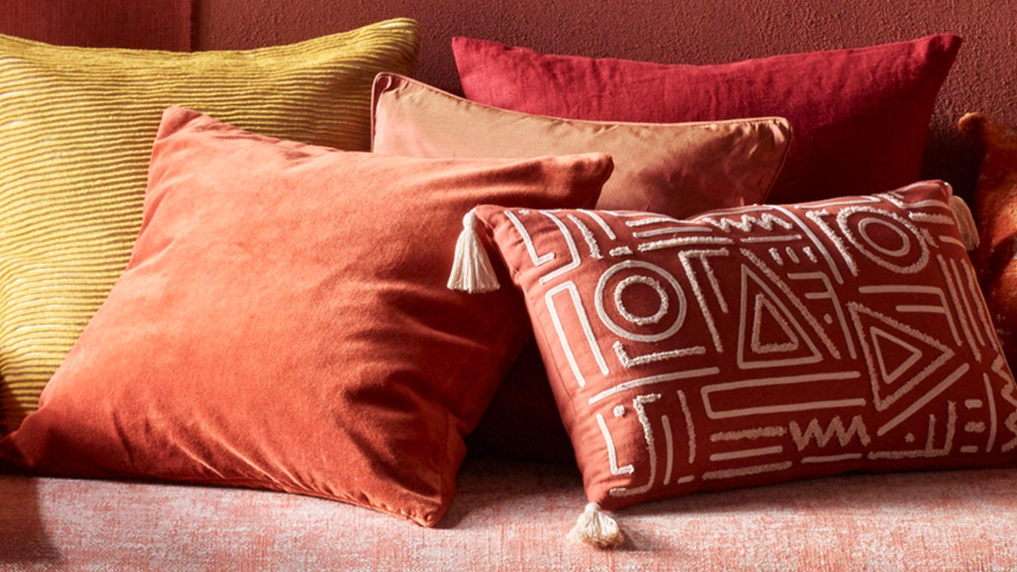 e1700d73f3 New season cushions