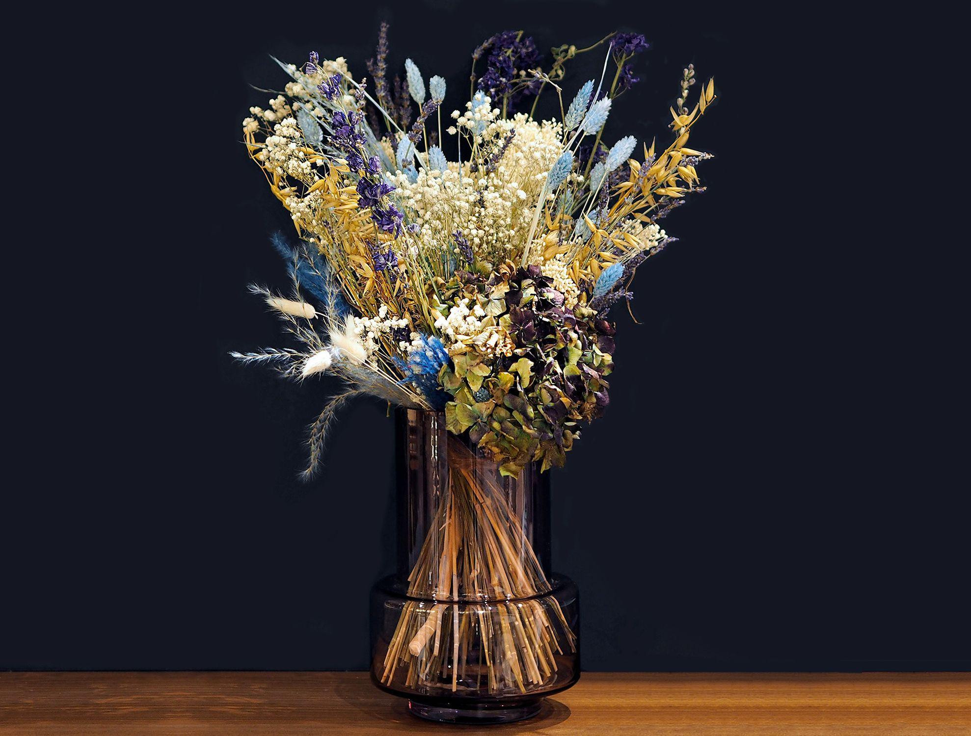 How to decorate with dried faux flowers