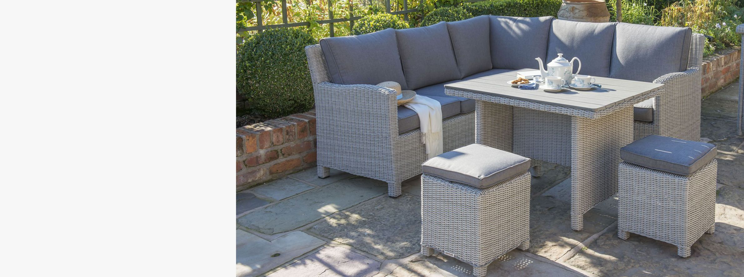 Discover a furniture that works for the whole family so you can enjoy al fresco meals this summer