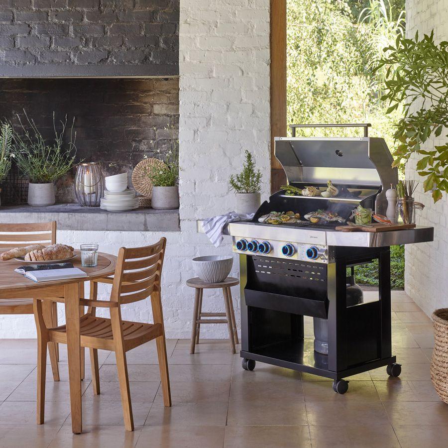 Garden Tables, Chairs & Rattan